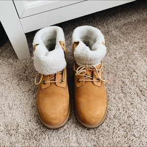 women's jayne teddy fold down timberland boots!